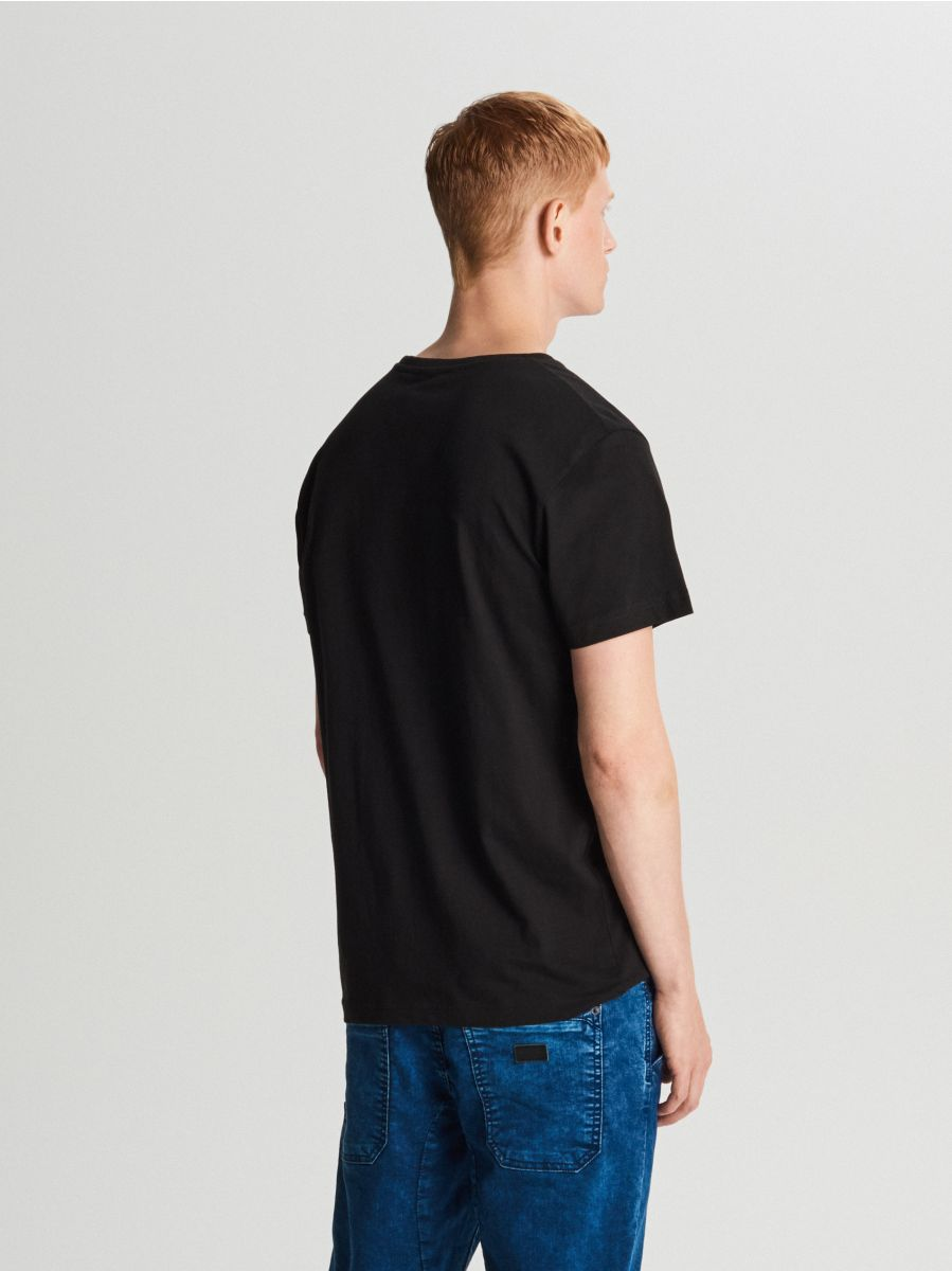 T-krekls ar apdruku - MELNS - WY462-99X - Cropp - 3