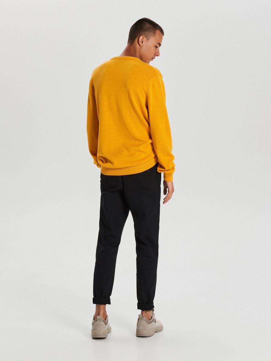 Vienkrāsains džemperis - DZELTENS - WG371-18X - Cropp - 4
