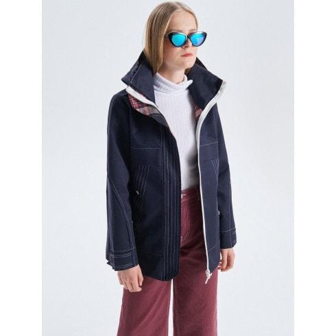 Plāna jaka ar kapuci