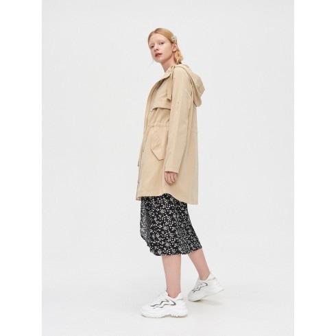 Plāna parkas tipa jaka ar kapuci