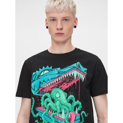 T-krekls ar ūdens bāzes krāsas apdruku