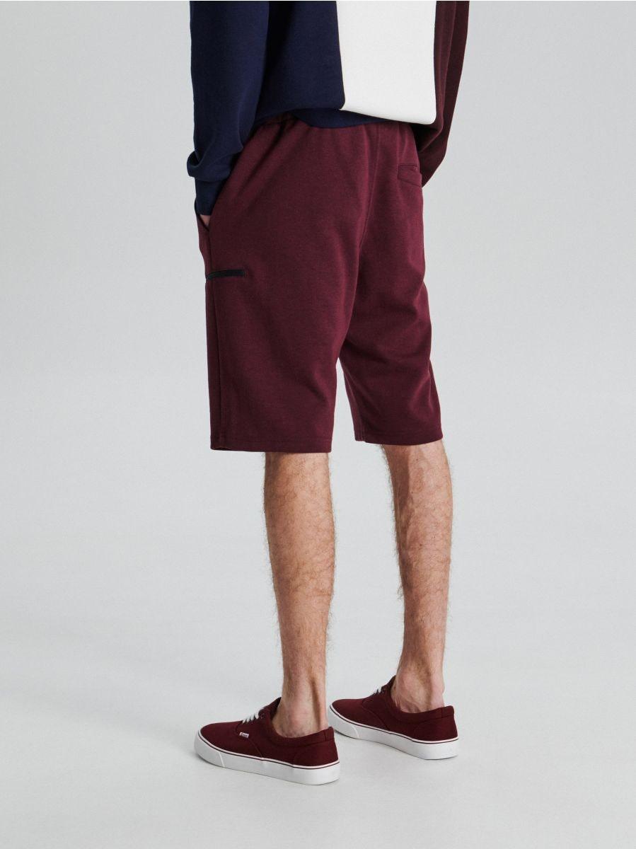 Sportiniai šortai su užsegamomis kišenėmis - TAMSIAI RAUDONA - UW707-83M - Cropp - 4
