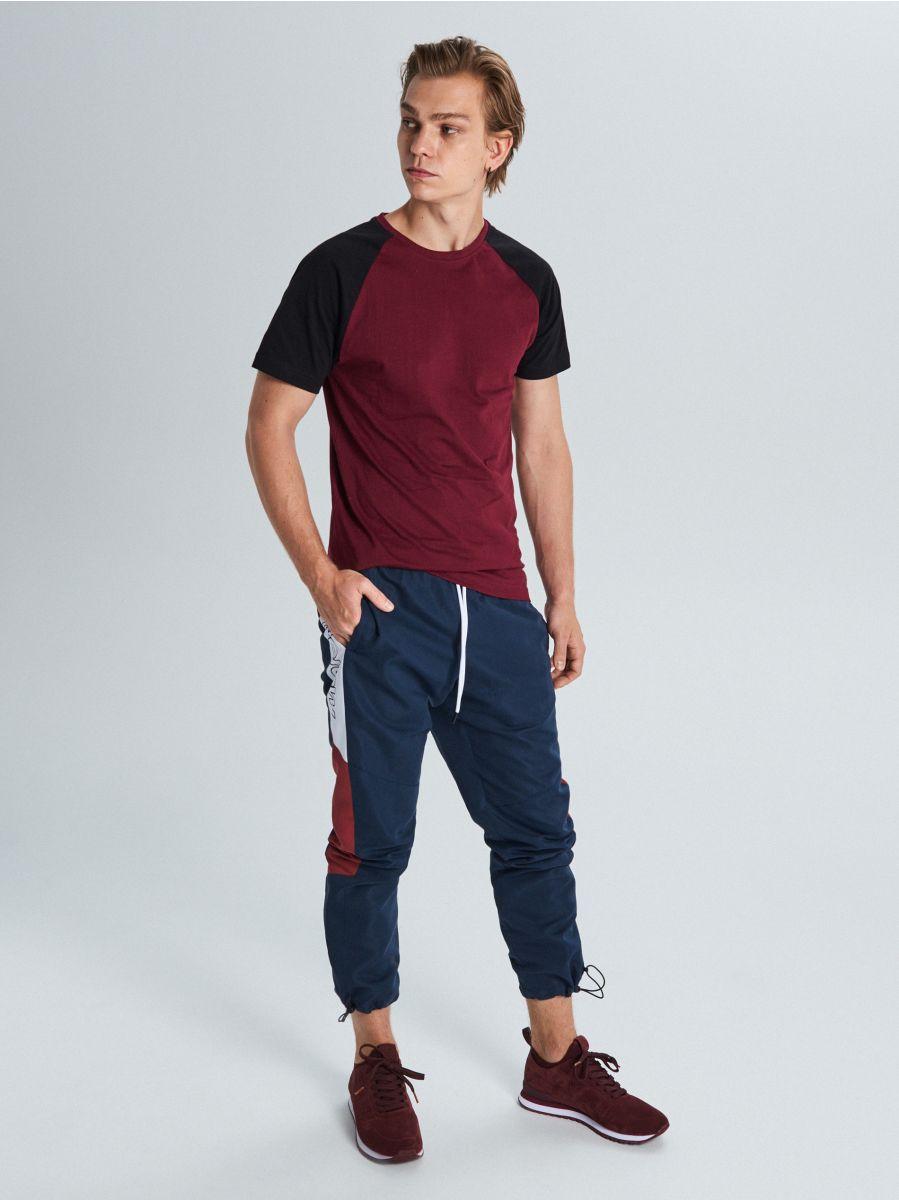 Marškinėliai reglano rankovėmis - TAMSIAI RAUDONA - WS394-83X - Cropp - 2