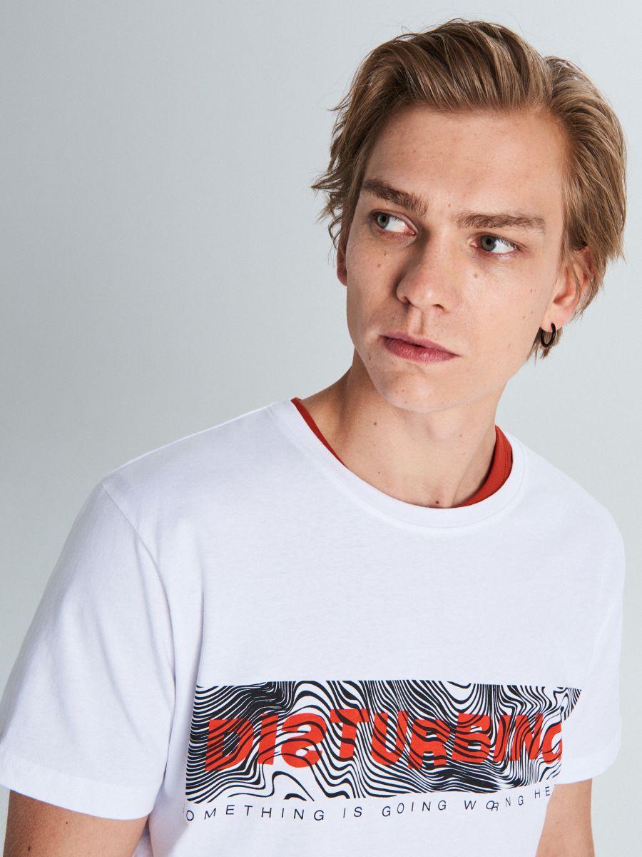 Marškinėliai su užrašu - BALTA - WM727-00X - Cropp - 3