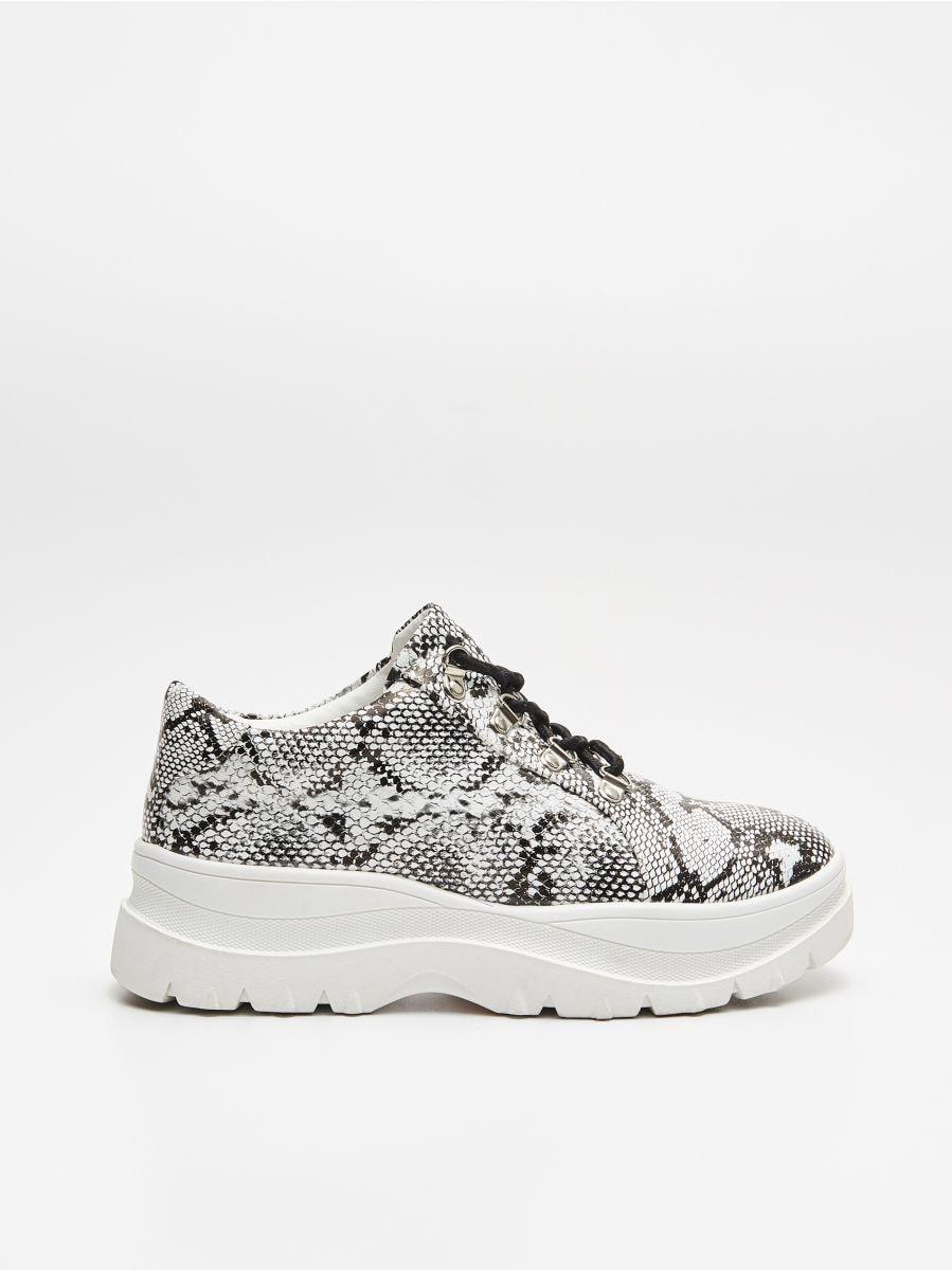 Ботинки на толстой подошве - BLACK - WE865-99X - Cropp - 1