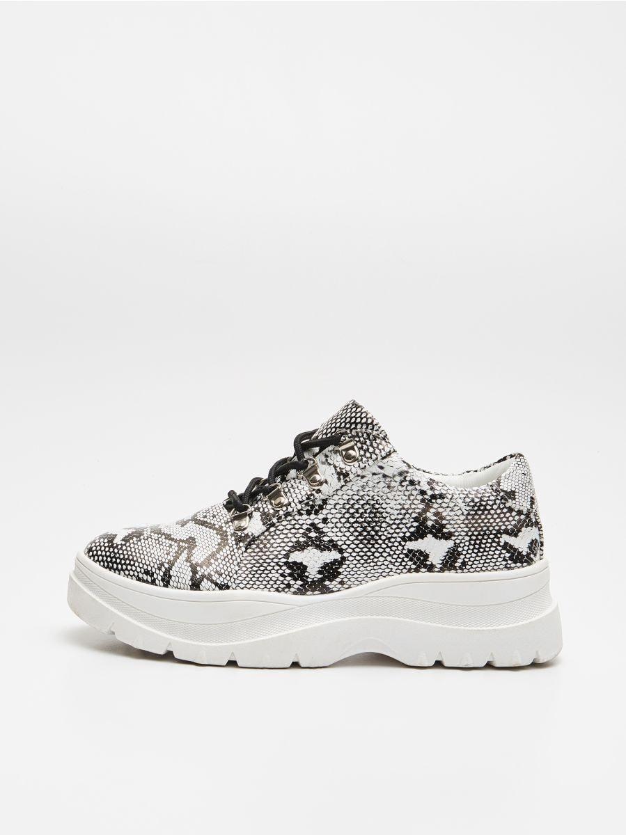 Ботинки на толстой подошве - BLACK - WE865-99X - Cropp - 4