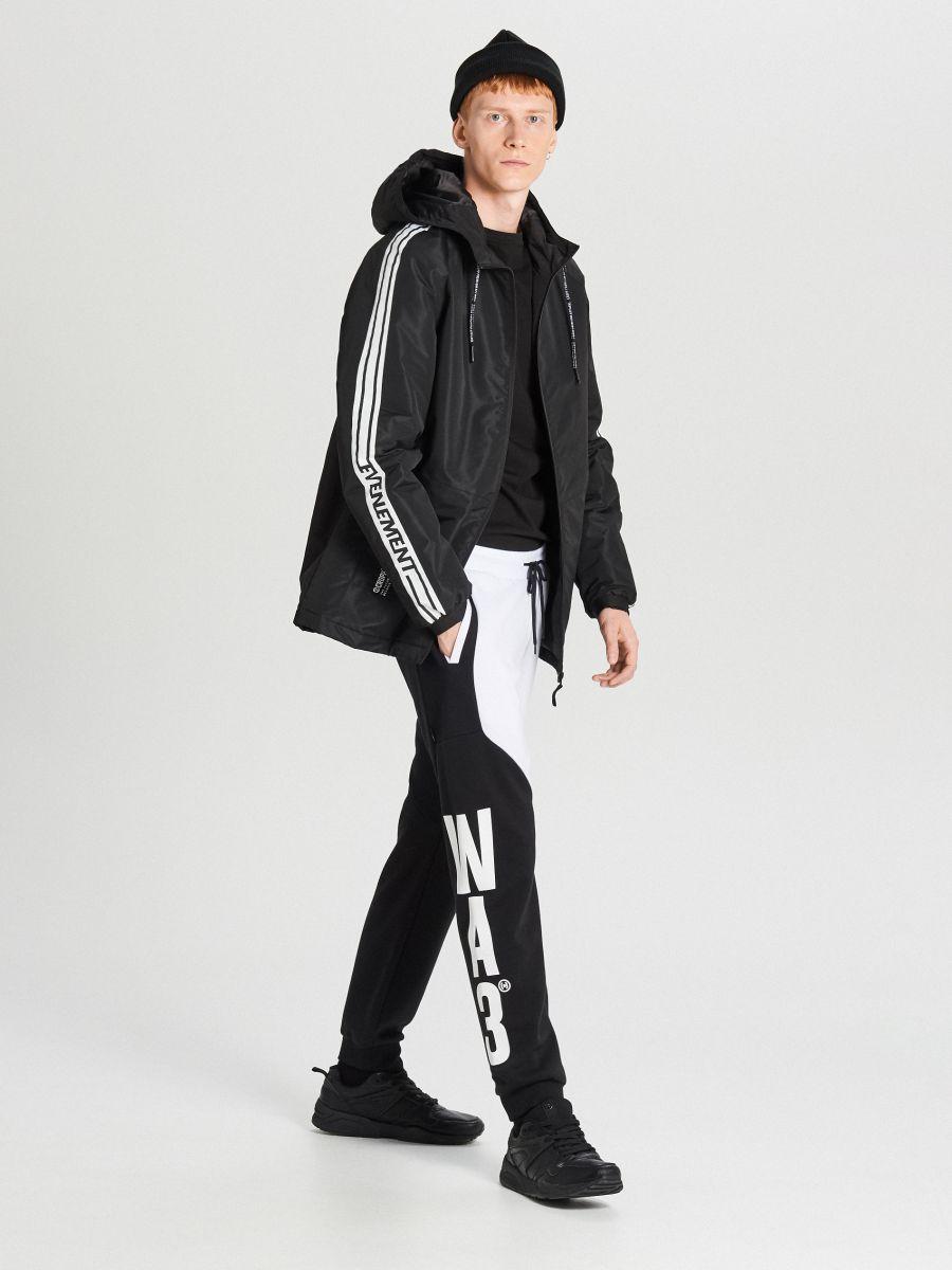 Легка куртка з каптуром - черный - VB079-99X - Cropp - 2
