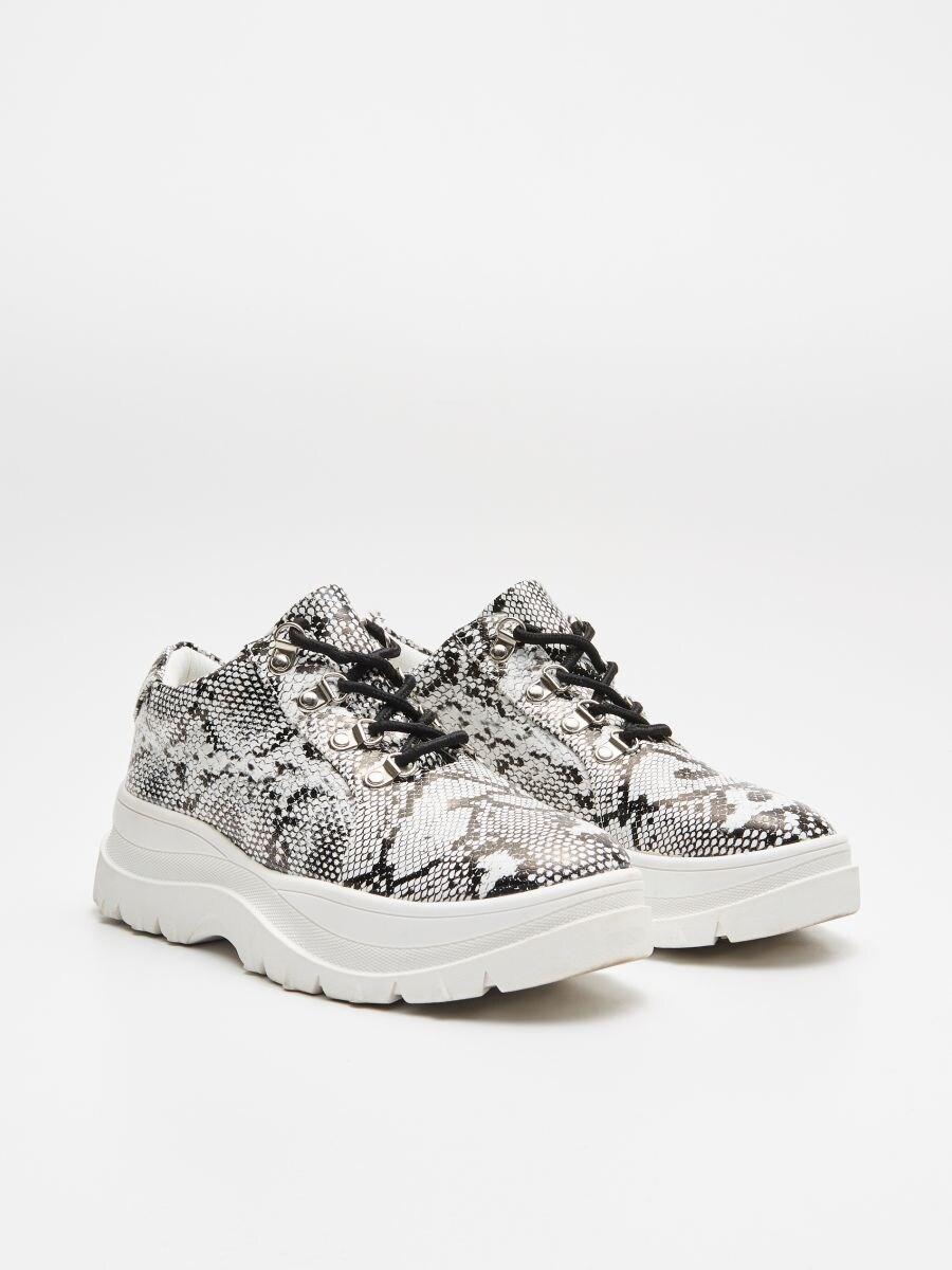Ботинки на толстой подошве - BLACK - WE865-99X - Cropp - 3