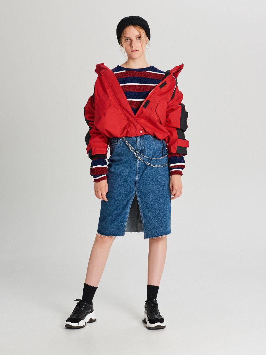 Куртка обширная oversize с капюшоном - CZERWONY - WS144-33X - Cropp - 2