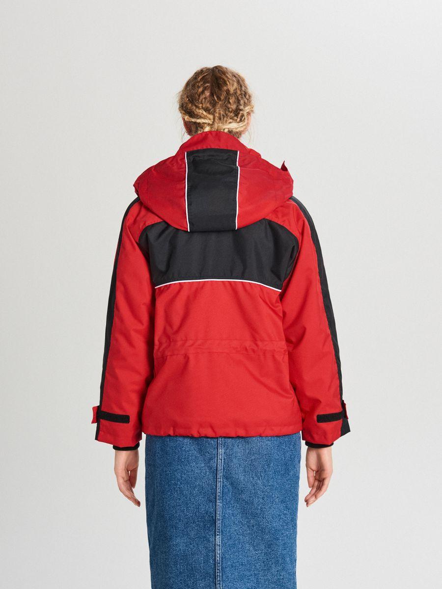 Куртка обширная oversize с капюшоном - CZERWONY - WS144-33X - Cropp - 4