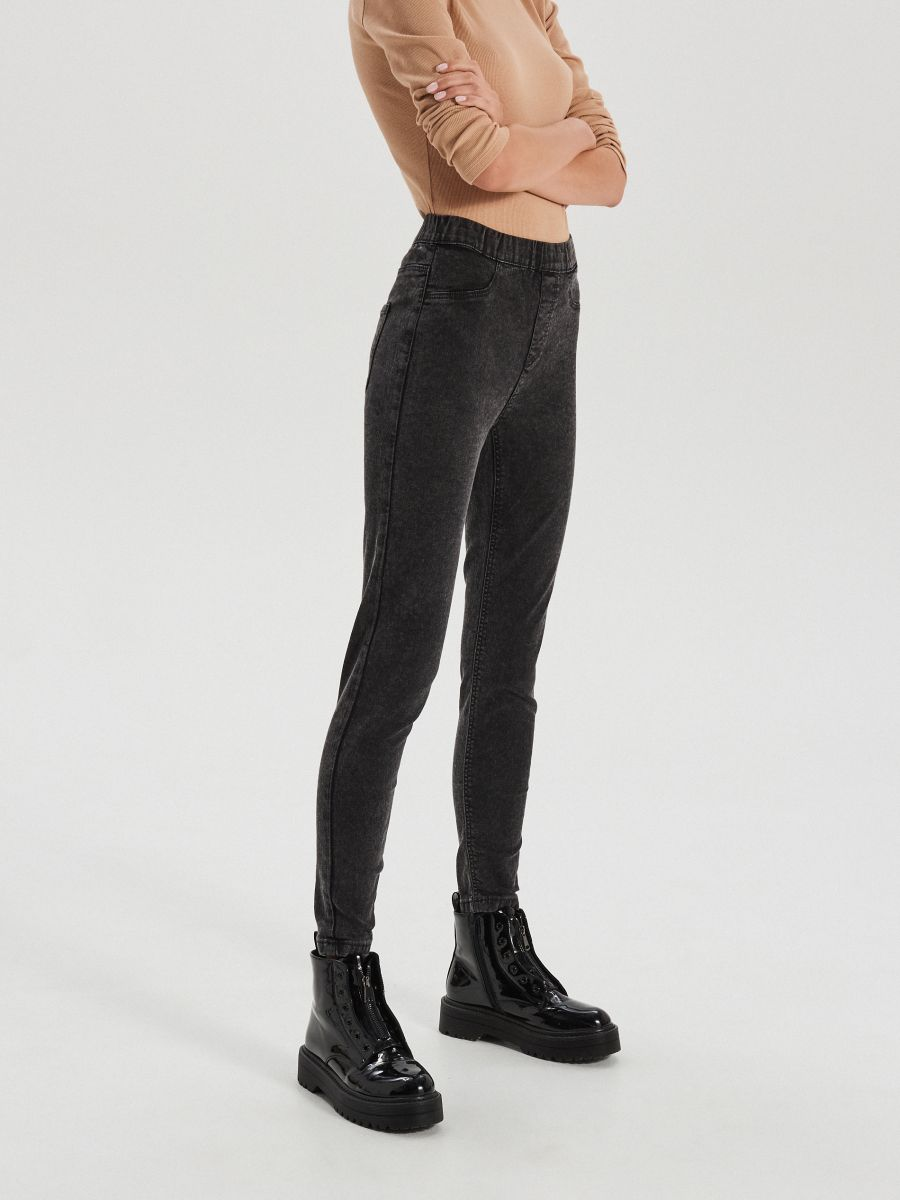 LADIES` JEANS TROUSERS - SZARY - XD939-90J - Cropp - 2