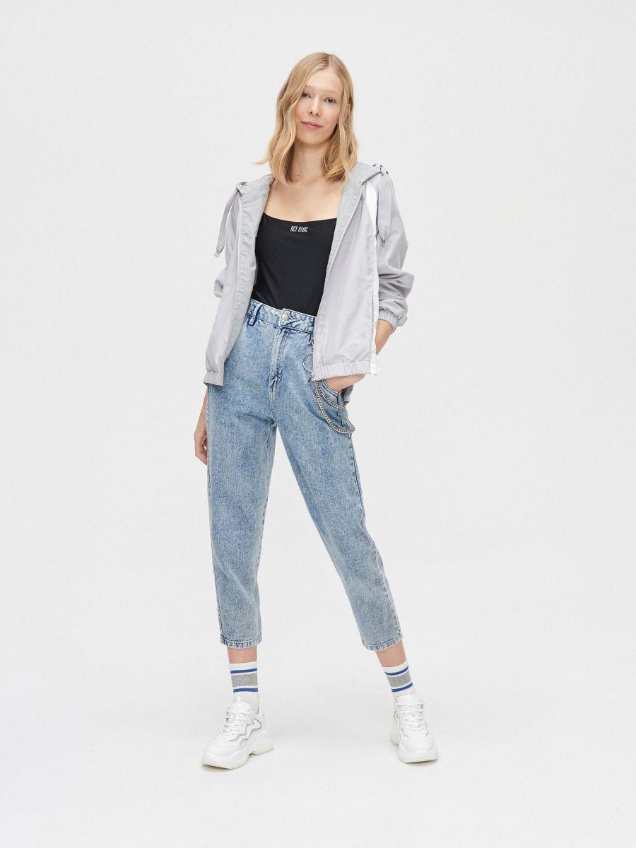 Легкая куртка с капюшоном - светло-серый - XL601-09X - Cropp - 1