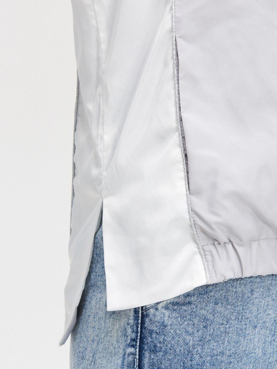 Легкая куртка с капюшоном - светло-серый - XL601-09X - Cropp - 3