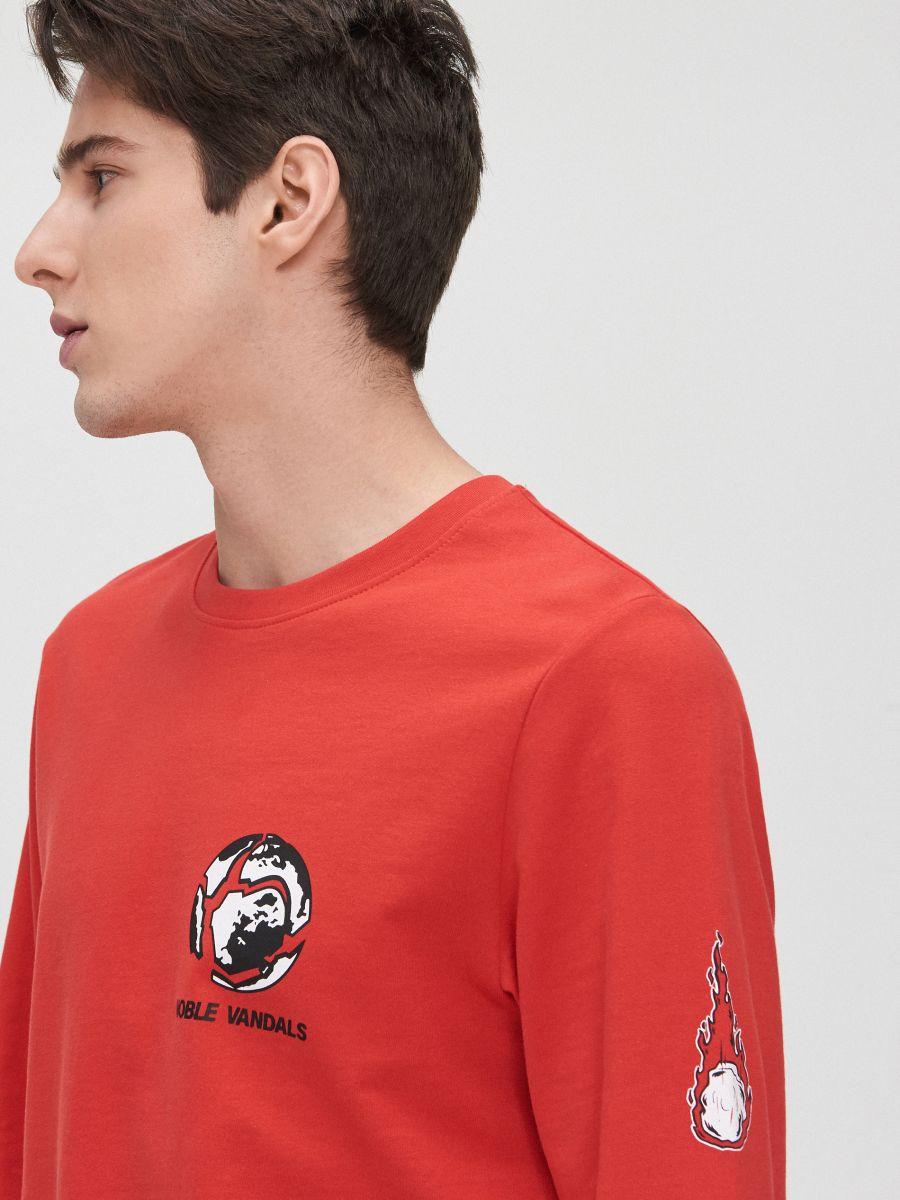 Футболка с принтом на спине - красный - YG152-33X - Cropp - 4