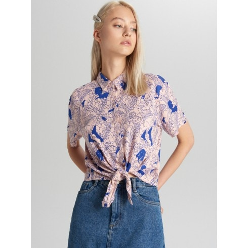 Блузка с завязками на плечах