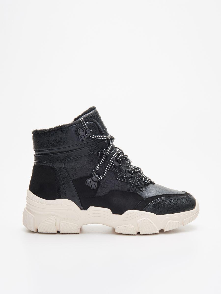 Vastag talpú téli cipő, CROPP, XH293 99X