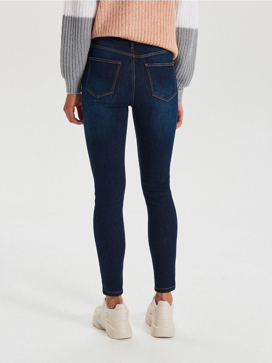 High waist džínsy - Tmavomodrá - WT530-59J - Cropp - 4