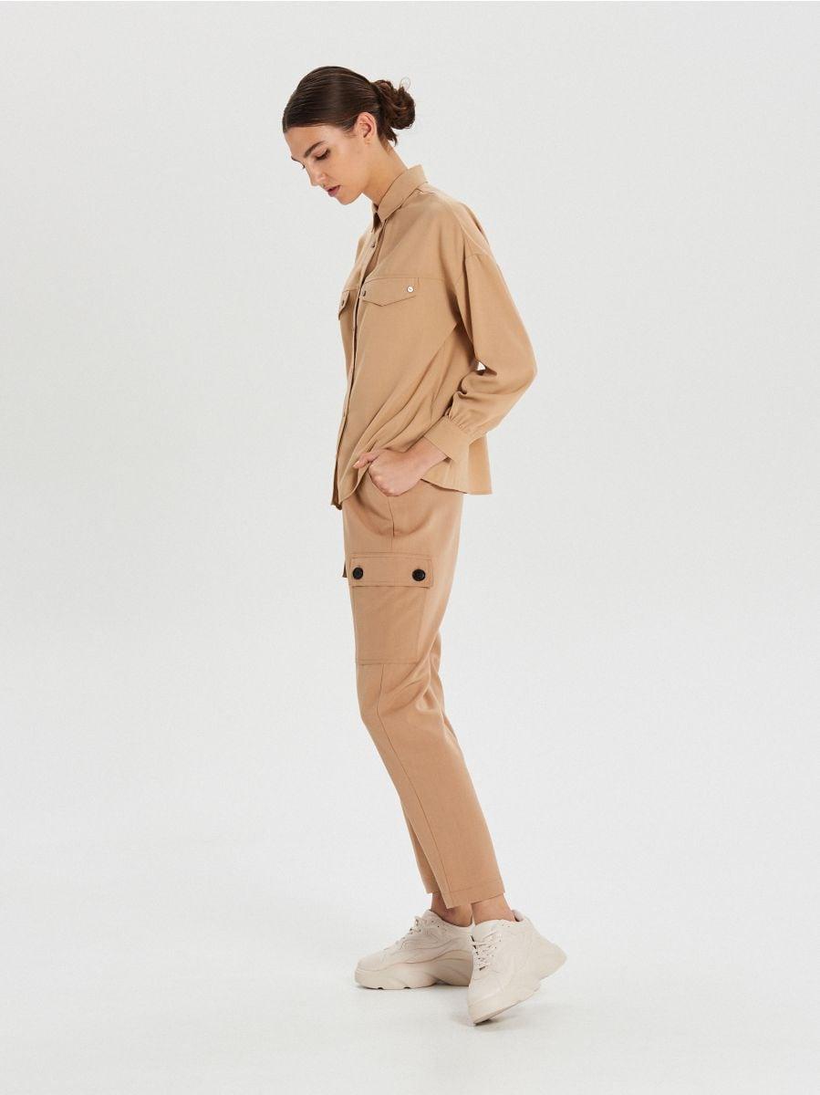 Košeľa s vreckami - Béžová - XI752-08X - Cropp - 2
