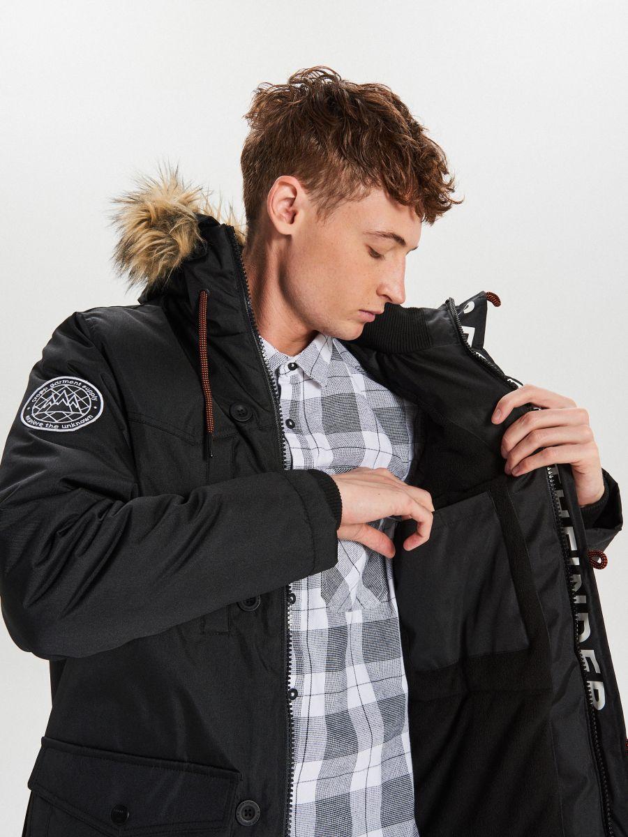 Zimná bunda s kapucňou - Čierna - WA084-99X - Cropp - 7