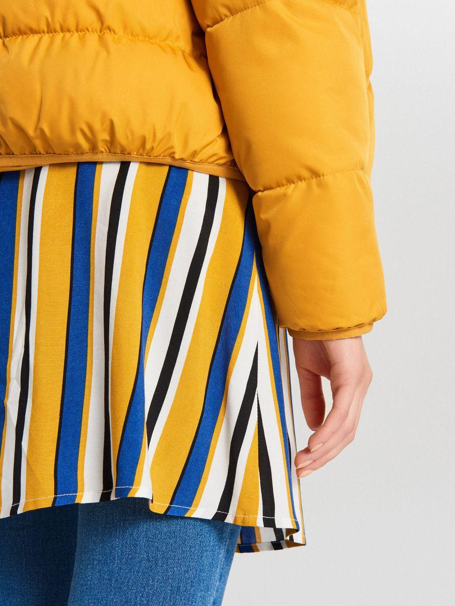 Pufovaná bunda - Žltá - WB866-17X - Cropp - 7