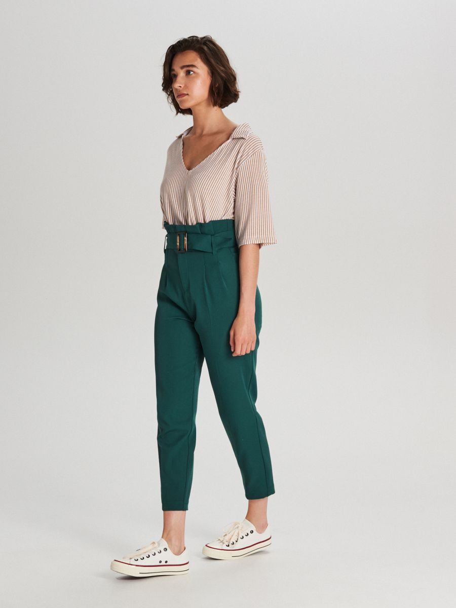 Nohavice s vysokým pásom a opaskom  - Khaki - WC051-79X - Cropp - 1
