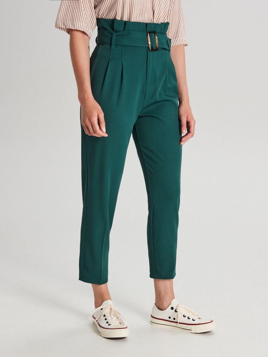 Nohavice s vysokým pásom a opaskom  - Khaki - WC051-79X - Cropp - 2