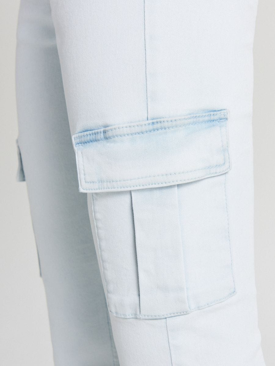 LADIES` JEANS TROUSERS - Modrá - WI377-05J - Cropp - 5