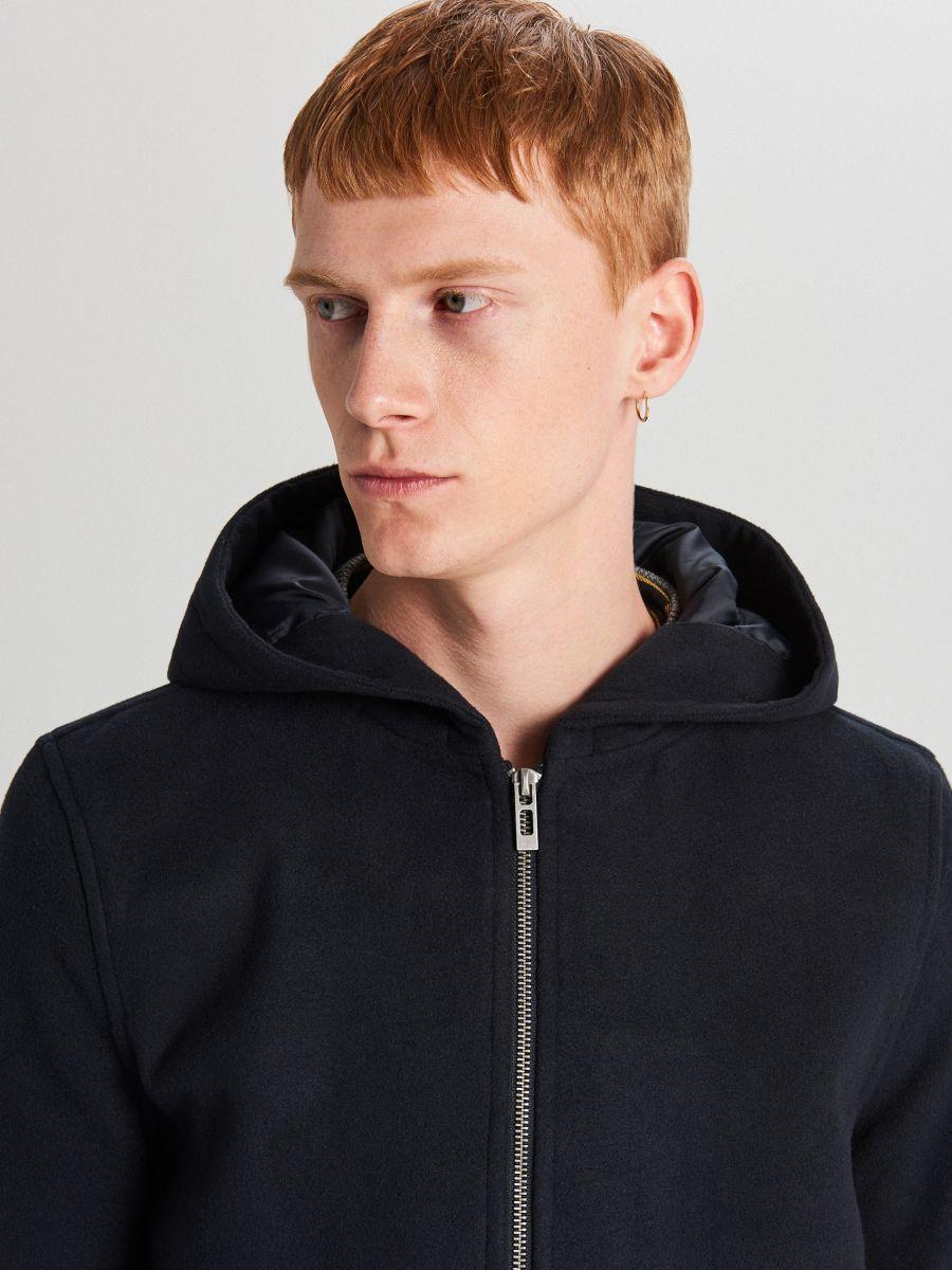 Ľahký kabát s kapucňou - Tmavomodrá - WL843-59X - Cropp - 6