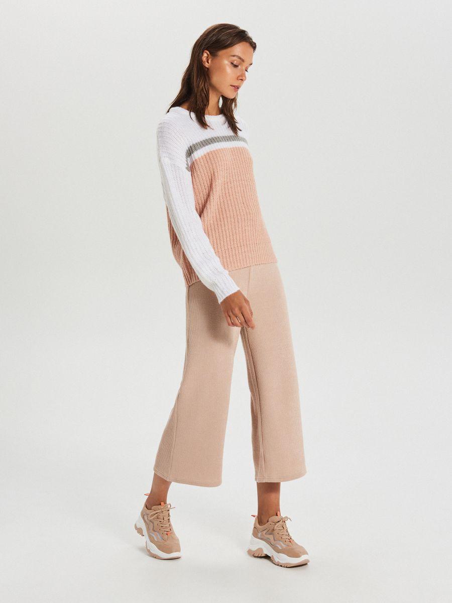 Viacfarebný sveter - Krémová - WM681-01X - Cropp - 2