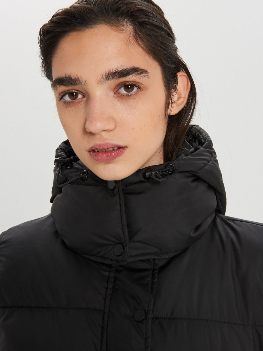 Prešívaný plášť s kapucňou - Čierna - WS172-99X - Cropp - 4