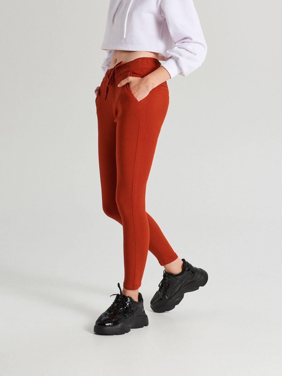 Nohavice so sťahovacím lemom - Oranžová - WS553-28X - Cropp - 2