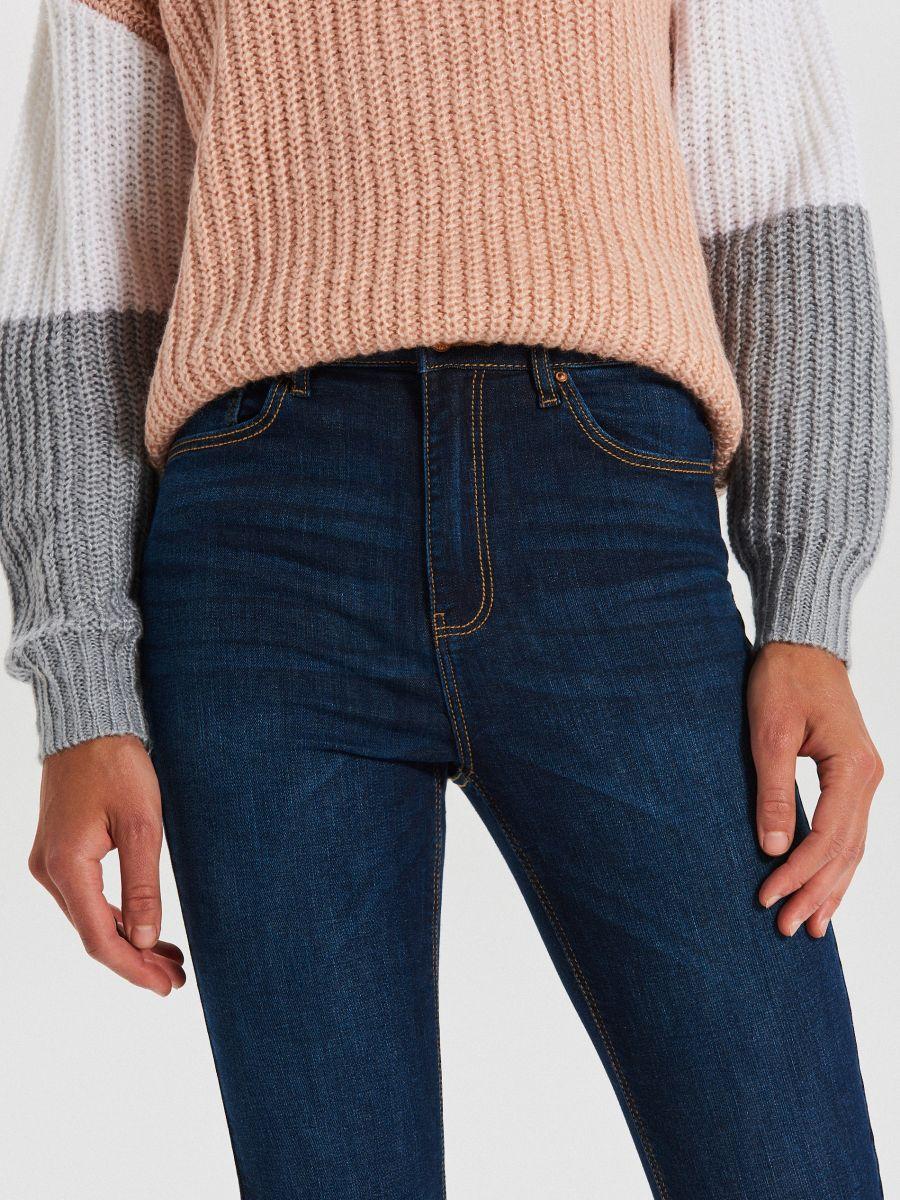High waist džínsy - Tmavomodrá - WT530-59J - Cropp - 3