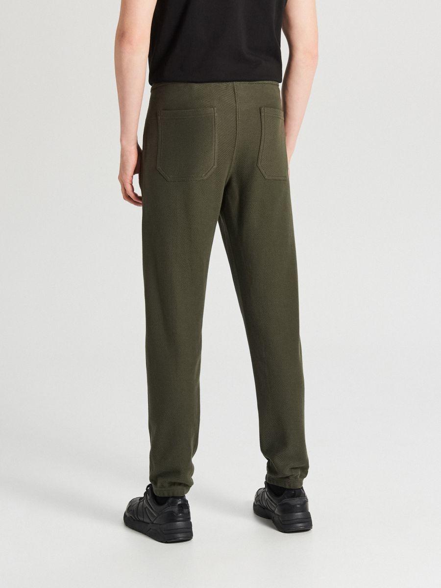Teplákové joggery s opaskom - Khaki - WW365-87X - Cropp - 4