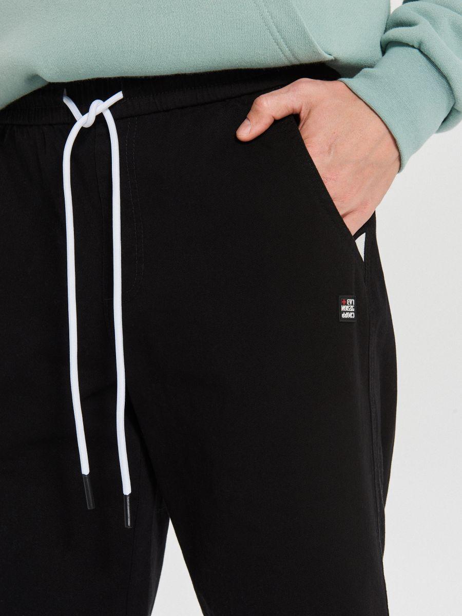 Teplákové joggery fit - Čierna - XI377-99X - Cropp - 3