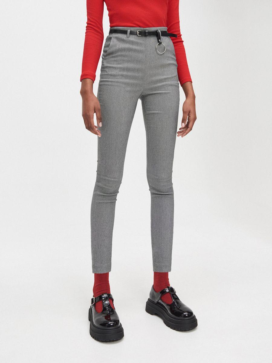 Chino nohavice slim s opaskom - Svetlošedá - XU430-09X - Cropp - 2