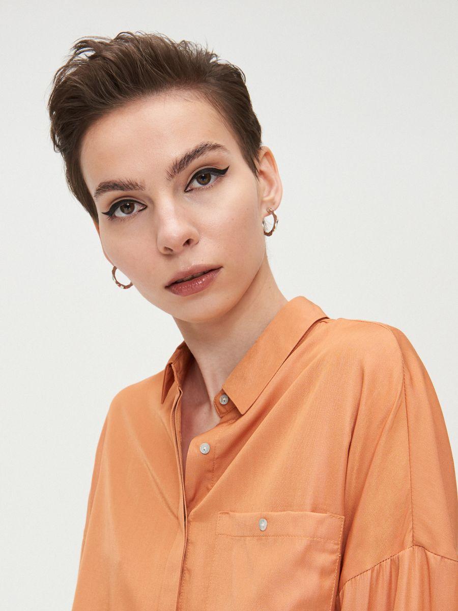 Oversize košeľa - Oranžová - XV920-28X - Cropp - 2