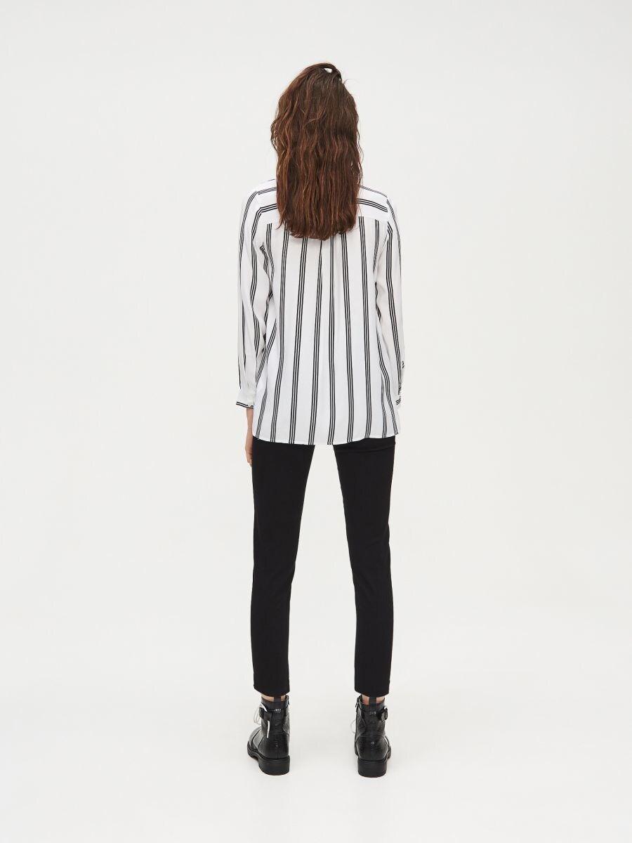 Pásikavá viskózová košeľa - Biela - XV921-00X - Cropp - 4