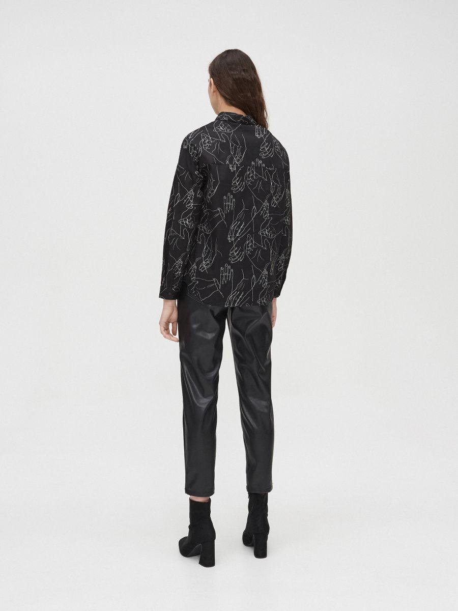 Košeľa s potlačou all over - Čierna - YD488-99X - Cropp - 4