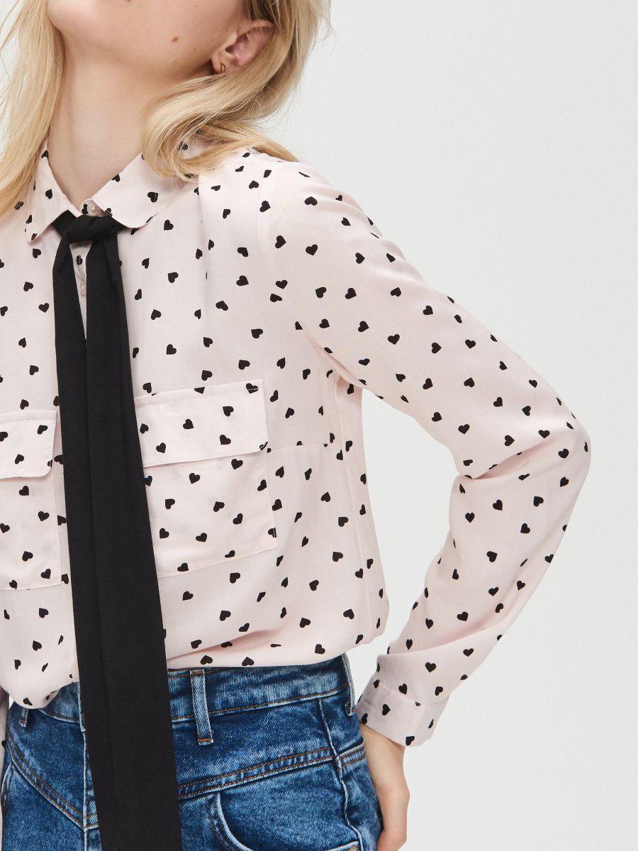 Košeľa so stužkou pod golierom - Ružová - YD496-03X - Cropp - 3