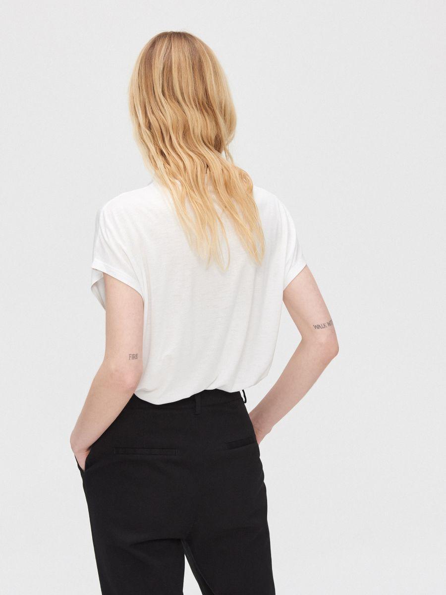 Bavlnené tričko s potlačou - Biela - YK374-00X - Cropp - 4