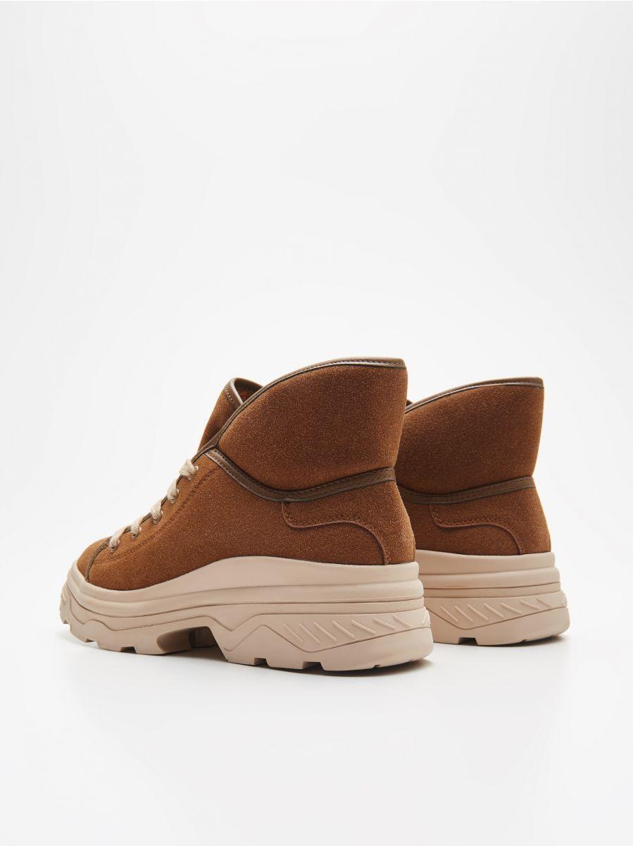 Pantofi călduroși cu talpă lată - MARO - WE910-82X - Cropp - 4