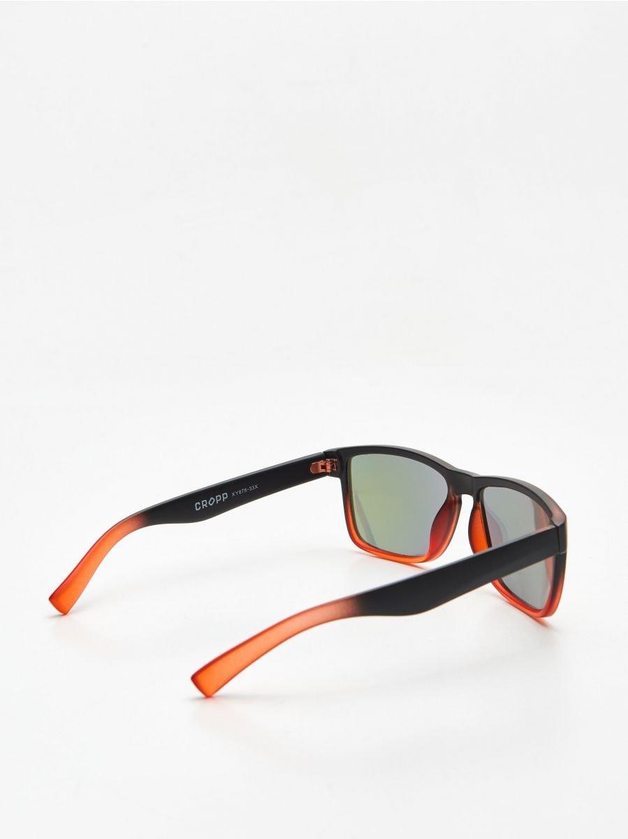 Ochelari de soare în degradé - ROȘU - XY878-33X - Cropp - 2