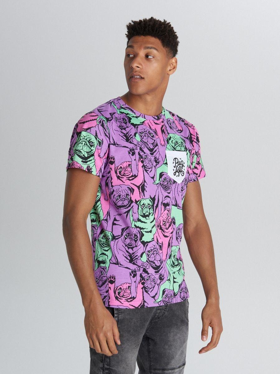 Tricou cu imprimeu cu mopși și buzunar - VIOLET - XB671-45X - Cropp - 2