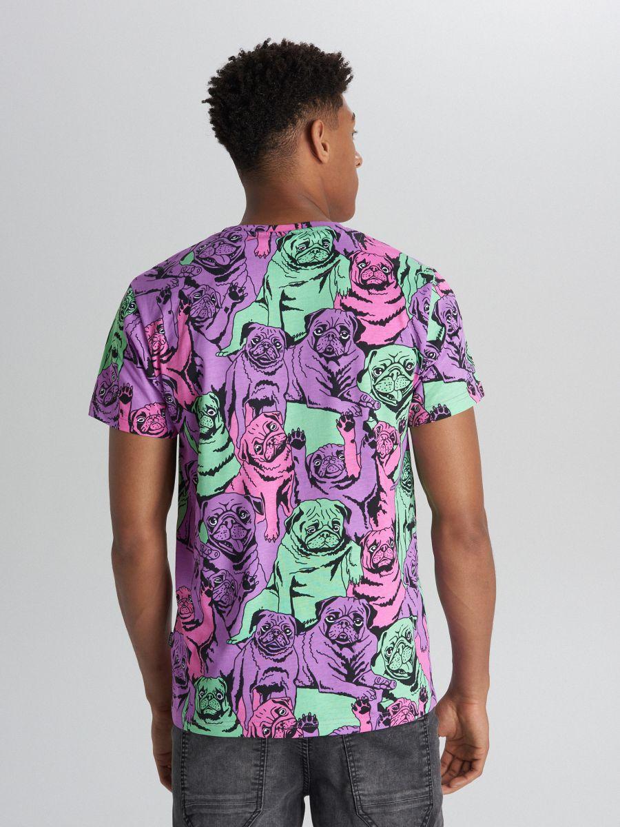 Tricou cu imprimeu cu mopși și buzunar - VIOLET - XB671-45X - Cropp - 4