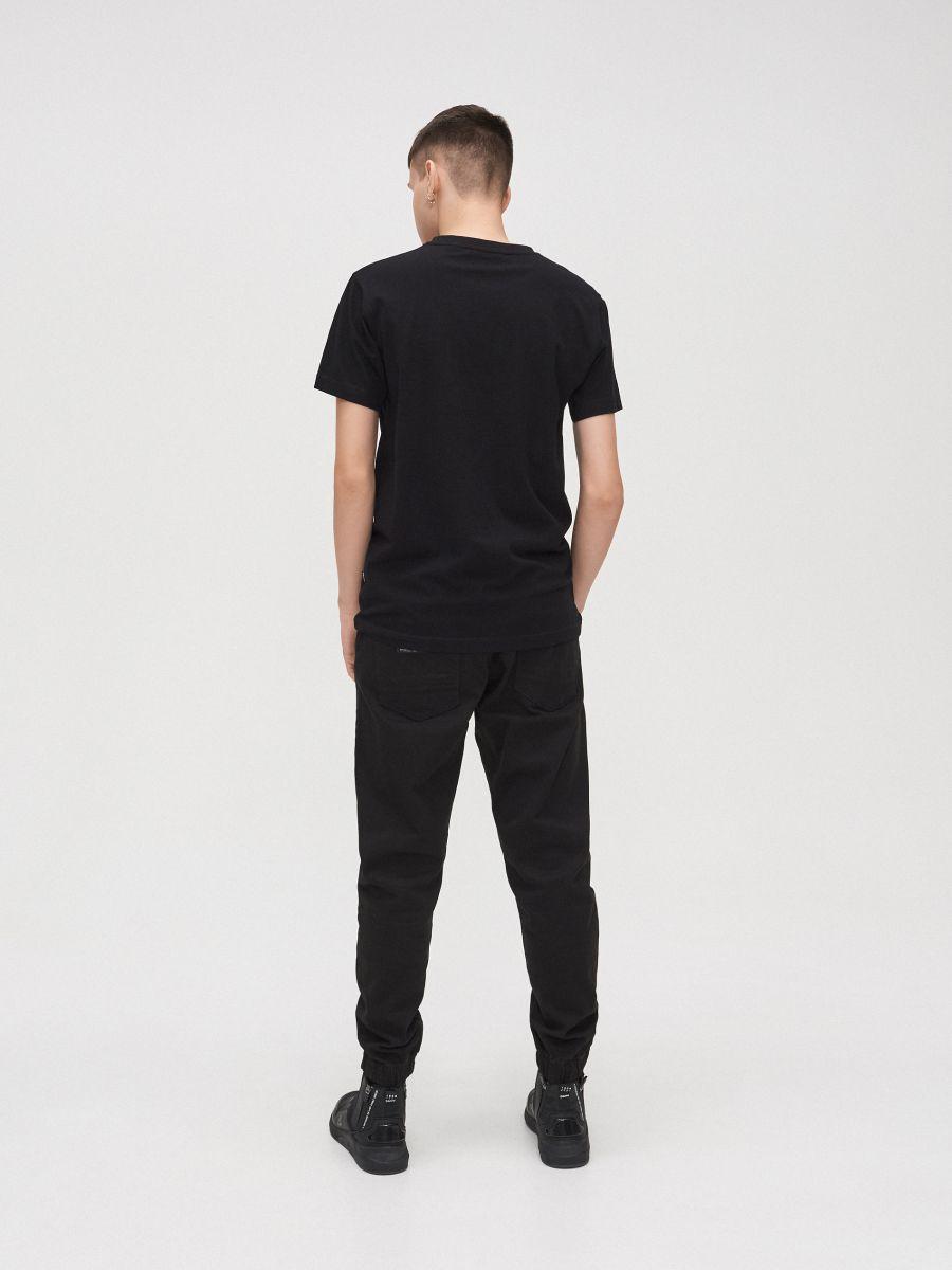 Tricou cu imprimeu cauciucat - NEGRU - XZ303-99X - Cropp - 4