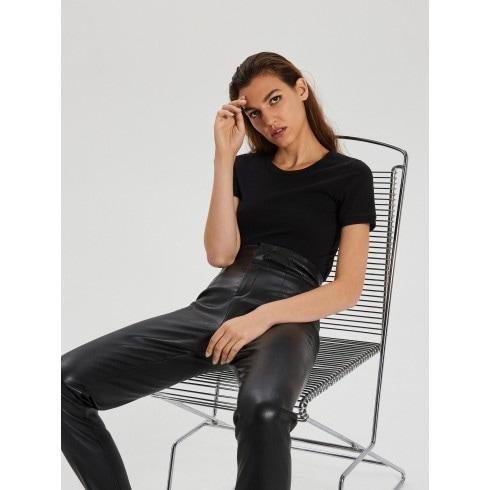 Pantaloni din piele ecologică, cu talie înaltă