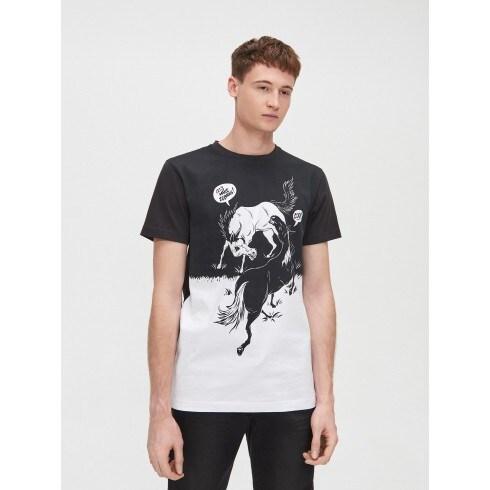 Tricou cu imprimeu în contrast, realizat cu cerneală pe bază de apă