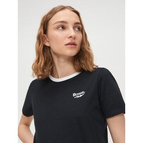 Tricou cu margine contrastantă
