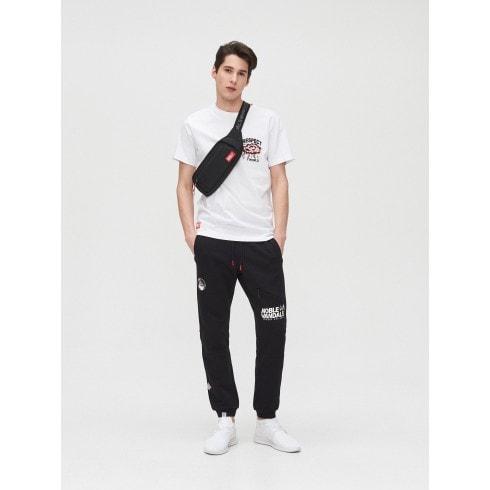 Pantaloni jogger cu imprimeuri
