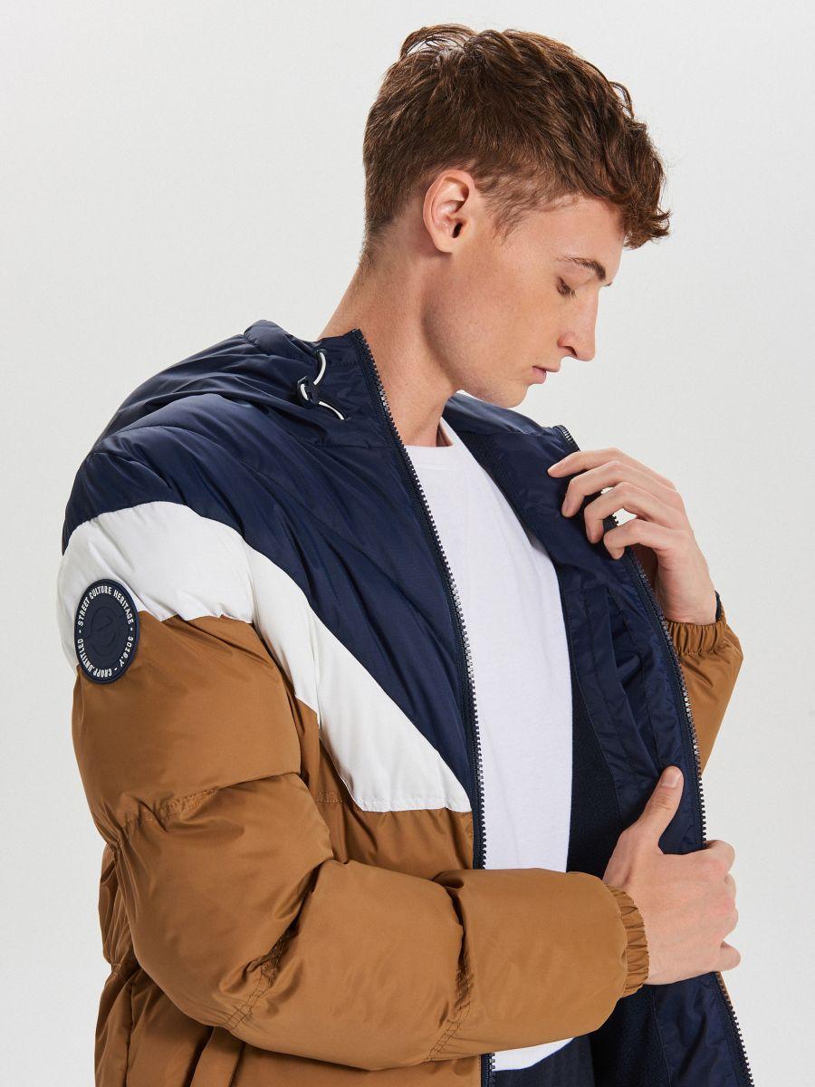 Téli dzseki kontrasztos színsávokkal - BARNA - WC155-82X - Cropp - 4
